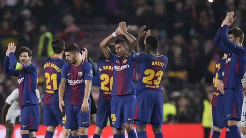 Un Messi centenario en Champions guía al Barcelona a cuartos