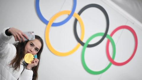 Oro y dopaje, un día agridulce para Rusia en los Juegos