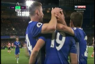 Chelsea venció a Southampton y se afianza como líder