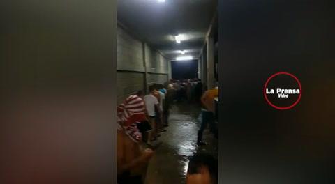Así levantan a las 2:30 AM a estudiantes de primer ingreso en la UNA, en Olancho.