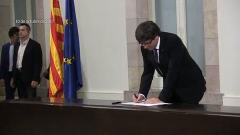 Gobierno español pide claridad a Puigdemont sobre independencia