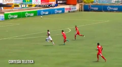 Bengtson reaparece en Costa Rica y anota con Saprissa