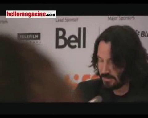 Keanu Reeves pays tribute to \