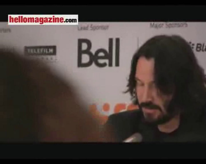 Keanu Reeves pays tribute to \
