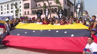 De Santiago a Miami, venezolanos denuncian