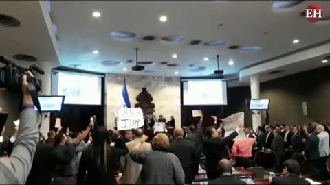Bajo ambiente de tenso se eligió junta directiva provisional del CN