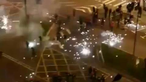 Un policía muere tras enfrentamientos entre aficionados de Athletic Bilbao y Spartak Moscú
