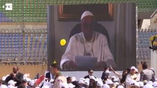 El Papa se rodea de miles de católicos en su último día en Egipto