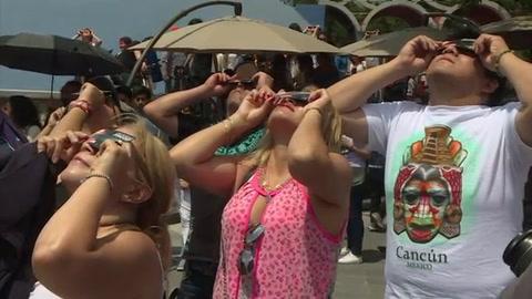 La emoción del eclipse solar llega a México y Nicaragua