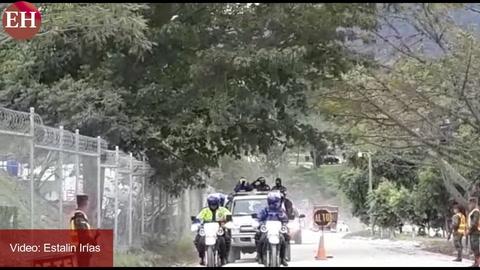Momento cuando es extraditado Roberto de Jesús Soto García
