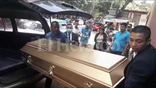 Retiran cuerpos de madre e hija asesinadas de morgue capitalina