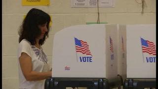 Clinton y Trump amplían ventaja en jornada de primarias