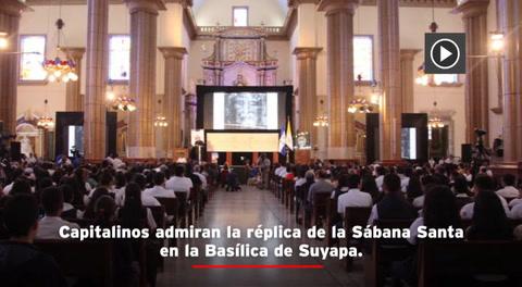 Réplica de la Sábana Santa se exhibe en la Basílica de Suyapa de Tegucigalpa
