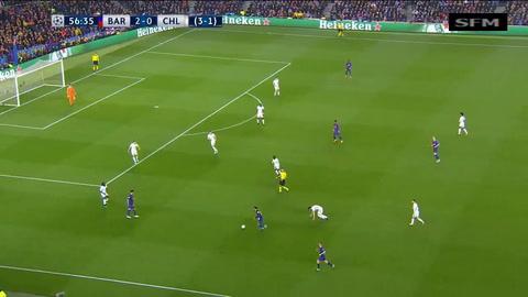 ¡Messi humilló a su amigo Fábregas en el Camp Nou!