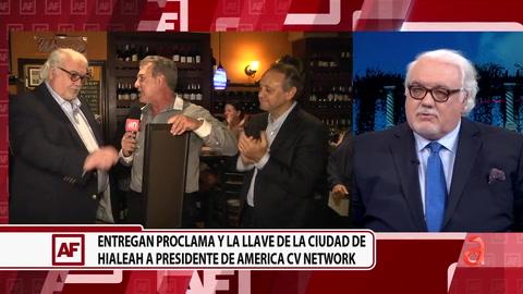 Entregan proclama y ya llave de la ciudad de Hialeah a Carlos Vasallo, presidente y CEO de América TeVé