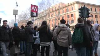 Roma suspende metro y cierra escuelas luego de sismos