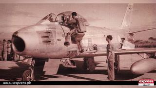 ایک منٹ میں 5 بھارتی طیارے تباہ کرنے والے ایم ایم عالم کی آج چھٹی برسی