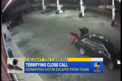 Mujer que era secuestrada escapa del baúl de un carro en Alabama