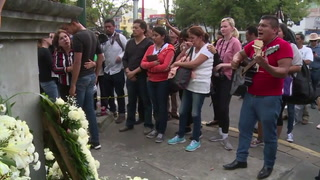 México llora a niños muertos en escuela colapsada
