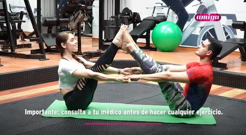 Amiga: Yoga para hacer en pareja