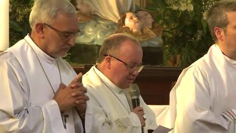 Papa pide perdón a fieles chilenos por escándalo sexual
