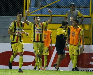 ¡Partidazo en el Morazán! Real España  derrotó 4-2 al Platense en la jornada 13