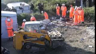 Inicia desmantelamiento del campamento de Calais