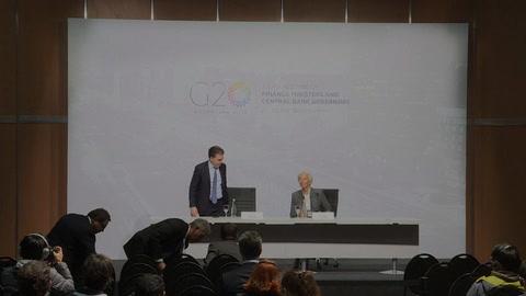 FMI alerta de crecimiento, EEUU pide comercio equilibrado en G20