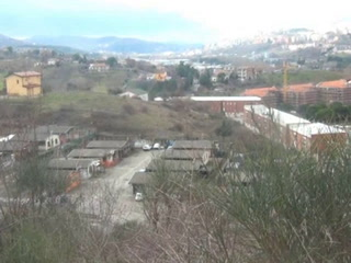Benvenuti nella 'favela' di Potenza Ecco come sprofonda una Cittadella senza Stato