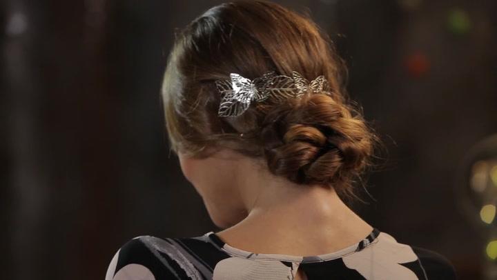 Aprende a hacer un peinado con una diadema trasera