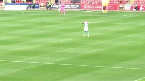 Emilio Izaguirre regresa al Celtic de Escocia entre cánticos de la hinchada