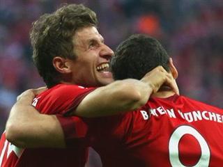 Thomas Müller abre la cuenta para Bayer de Múnich ante el Besiktas por los octavos de final de la UEFA