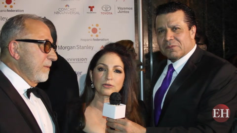 Gloria y Emilio Estefan saludan a lectores de Diario El Heraldo
