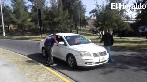 Obligan también a los taxis VIP a sumarse al paro