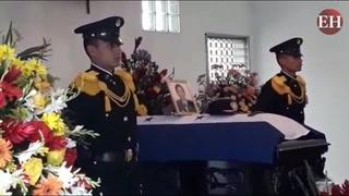 Velan cuerpos de fallecidos en accidente aéreo en capilla de FFAA