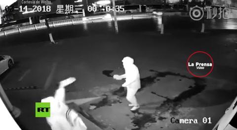 Ladrón golpea accidentalmente con un ladrillo a su compañero al intentar robar una tienda