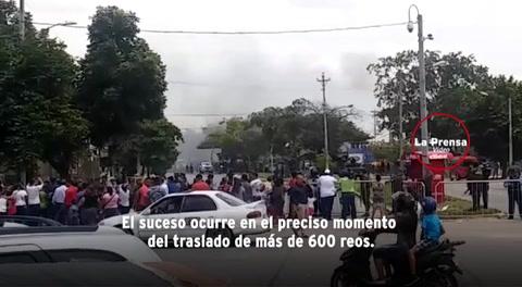 Reportan humo negro saliendo del Centro Penal Sampedrano