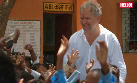 Hugh Bonneville visits India with WaterAid