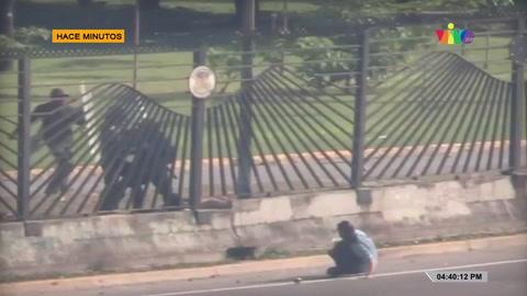 Momento cuando militares matan a joven venezolano durante protestas contra Nicolás Maduro