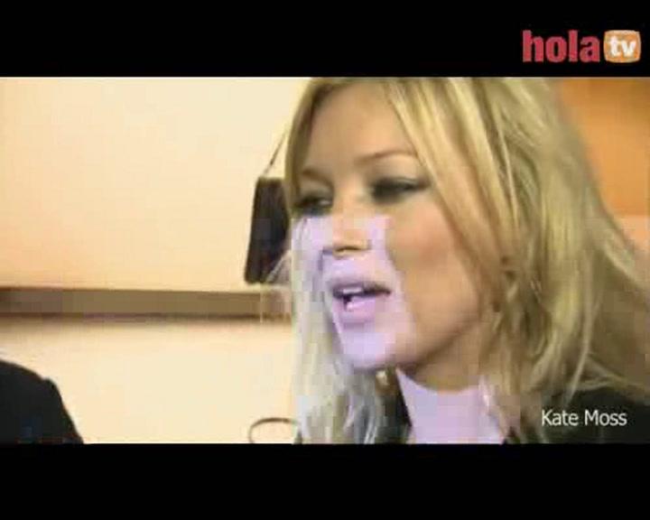Entrevista exclusiva con Kate Moss: \'Si mis amigos me vieran ir de diva me darían una torta\'