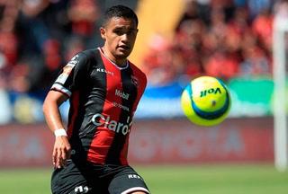 Roger Rojas anota su decimoctavo gol en empate del Alajuelense ante Saprissa