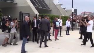 Alegria de los fans de Cristiano Ronaldo al llegar a Italia