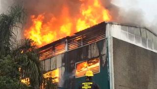 Arde bodega al oriente de Guadalajara