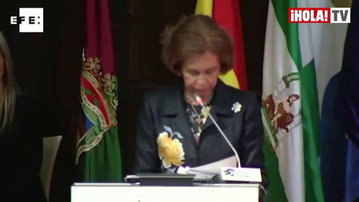 La Reina pide un esfuerzo de la sociedad para afrontar crisis y crear empleo