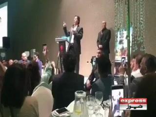 کرپٹ سیاستدانوں کو باکسنگ رنگ میں عامرخان کےحوالےکروں گا،عمران خان