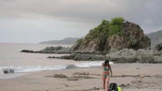 Sayulita, opción de surf y descanso junto a un cementerio