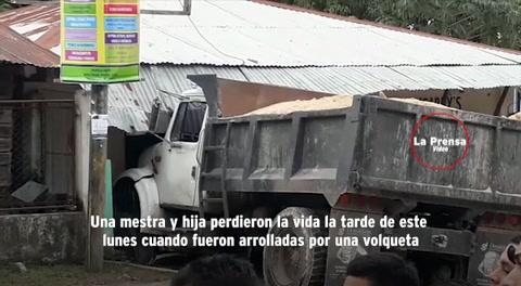 Volqueta atropella y mata a maestra y a su hija en Potrerillos