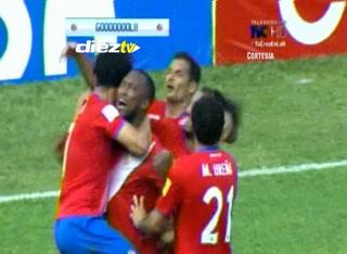 Kendall Waston empata de cabeza. Al minuto 68, Honduras 1-1 Costa Rica