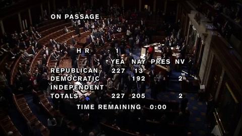 Cámara baja del Congreso de EEUU aprueba reforma fiscal de Trump