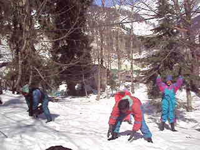 Shimla Videos-playing with snow